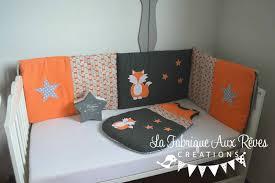theme etoile chambre bebe tour lit et gigoteuse renard étoiles orange gris décoration