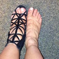 this is swell kim kardashian posts pic of puffy pregnancy feet