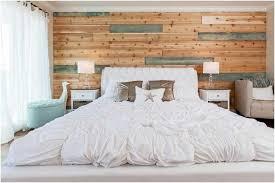 mur de chambre en bois chambre bord mer sobre mur bois récupération