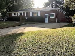 homes for sale with in law suite in virginia va