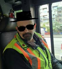 walter white halloween costume my bus driver looks almost exactly like walter white from breaking
