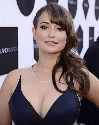 commercial actresses hot milana vayntrub hot and nerdy