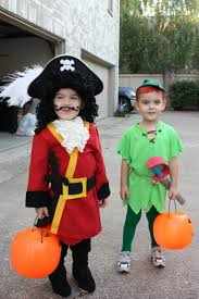 twins halloween costume idea best 25 peter pan halloween costumes ideas on pinterest diy