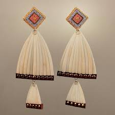 not on the high earrings one of the last two pairs to be offered but they are not on the