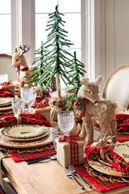 christmas decor for round tables top 50 christmas table decorations 2017 on pinterest table