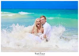 www rightframe net oahu trash the dress destination beach