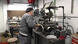 threading on the hardinge lathe with the trainman youtube