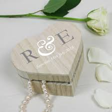 wedding keepsake gifts 14 best wedding anniversary personalized crates images on