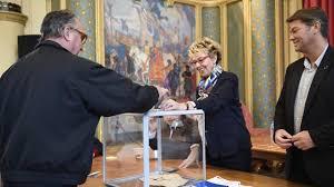 bureau de vote ouvert jusqu à quelle heure direct présidentielle l abstention évaluée entre 26 et 27