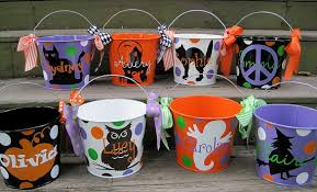 personalized halloween buckets i can do this with vinyl and my