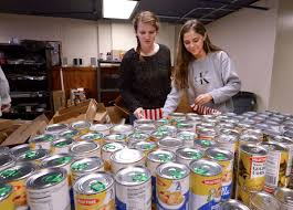 tennessee high school students pack thanksgiving day baskets