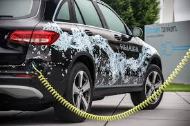 daimler says goodbye to fuel cells will focus on plug in electric