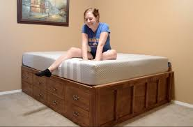 Build Platform Bed With Storage Underneath by Make A Queen Size Bed With Drawer Storage Youtube