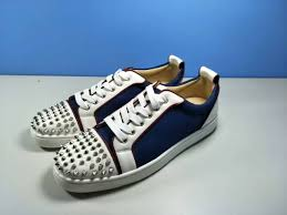 christian louboutin louis junior spikes leather low top sneakers