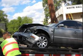 wrecked car mobile towing service 24 hour tow truck company mobile alabama