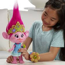troll for halloween amazon com dreamworks trolls hug time poppy toys u0026 games