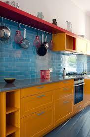 cuisine coloree cuisine idées déco pour mettre de la couleur côté maison