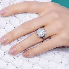 best diamond rings it s engagement season the 10 best engagement rings