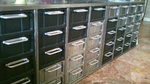 meuble de metier industriel décoration d u0027intérieure meubles et objets design et de collection