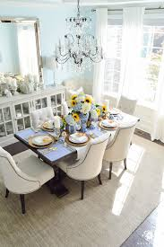 a classic blue and white table for a traditional thanksgiving