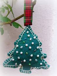 home decor wip wednesday felt christmas tree ornament tutorial