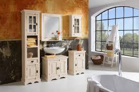 tapeten badezimmer badezimmer kleines badezimmer tapete weib modern tapeten