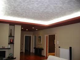 pitturare soffitto come imbiancare il soffitto chi convive con un soffitto