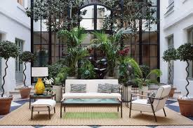 mobilier outdoor luxe nouveaux salons de jardin ambiance lounge sous le soleil