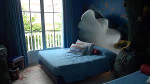 chambre aquarium chambre a theme sea aquarium gardaland hotel themed room