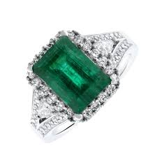 40000 engagement ring 18kt white gold emerald ring with 0 80ct in diamonds ds 40000 for