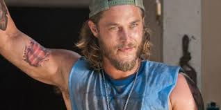 what is going on with travis fimmels hair in vikings travis fimmel 2015 photo courtesy of creative commons image i