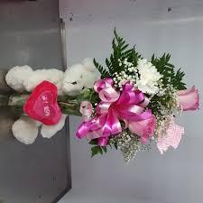 Bud Vase Arrangements 1 2 Dozen Mixed Roses In A Vase Duryeas Flower Shop