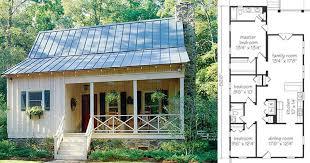 cozy cottage plans small farm house cozy farmhouse cottage maximizes use of small