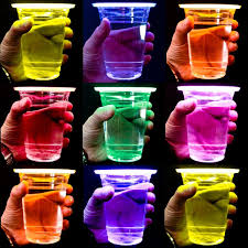 glow in the cups 50 pack of glow stick party cups gadgetking