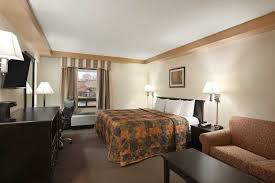 Comfort Suites At Woodbridge New Jersey Https Www Wyndhamhotels Com Content Dam Property
