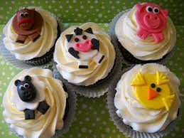 barnyard cupcakes birthday ideas pinterest farming barnyard