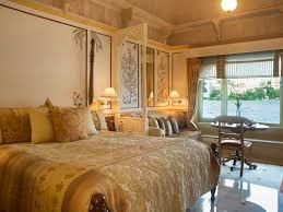 elegantly appointed luxury rooms at taj lake palace udaipur