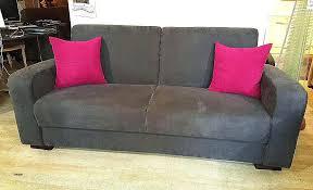 comment nettoyer un canapé en cuir marron comment decrasser un canape en cuir comment nettoyer canape en