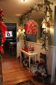 priscillas christmas foyer and dining room 2012