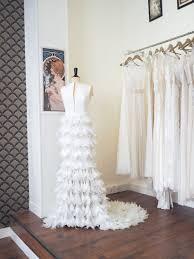 robe de mariã e de crã ateur les 25 meilleures idées de la catégorie robe de mariée à plume sur