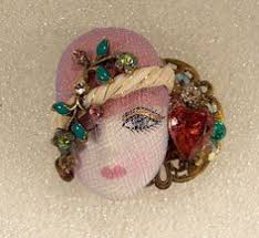 Rs Handmade - flapper porcelain look resin brooch pin green hat