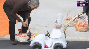 president obama couldn u0027t handle kid u0027s halloween costume youtube
