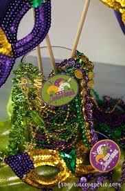 mardi gras centerpieces easy mardi gras centerpiece frog prince paperie