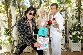 elvis wedding in vegas outdoor elvis weddings in springtime las vegas viva las vegas