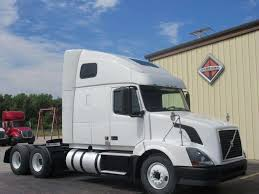 heavy duty volvo 2012 volvo vnl64t670 sleeper semi truck for sale 389 871 miles