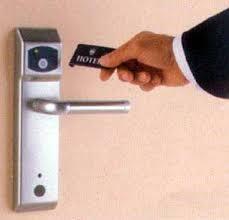 comment ouvrir une serrure de porte de chambre precautions a l hotel