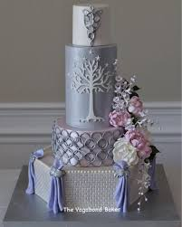 1 this is the lord of the rings wedding cake that the
