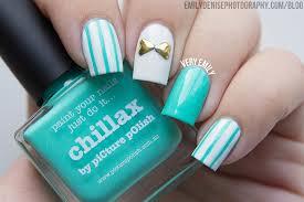 pinstripe bow nails