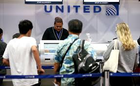 united airlines international carry on united apologizes after agent cancels man u0027s trip for filming dispute