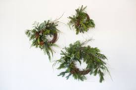 floral arrangements with moon canyon holiday wreaths rip u0026 tan
